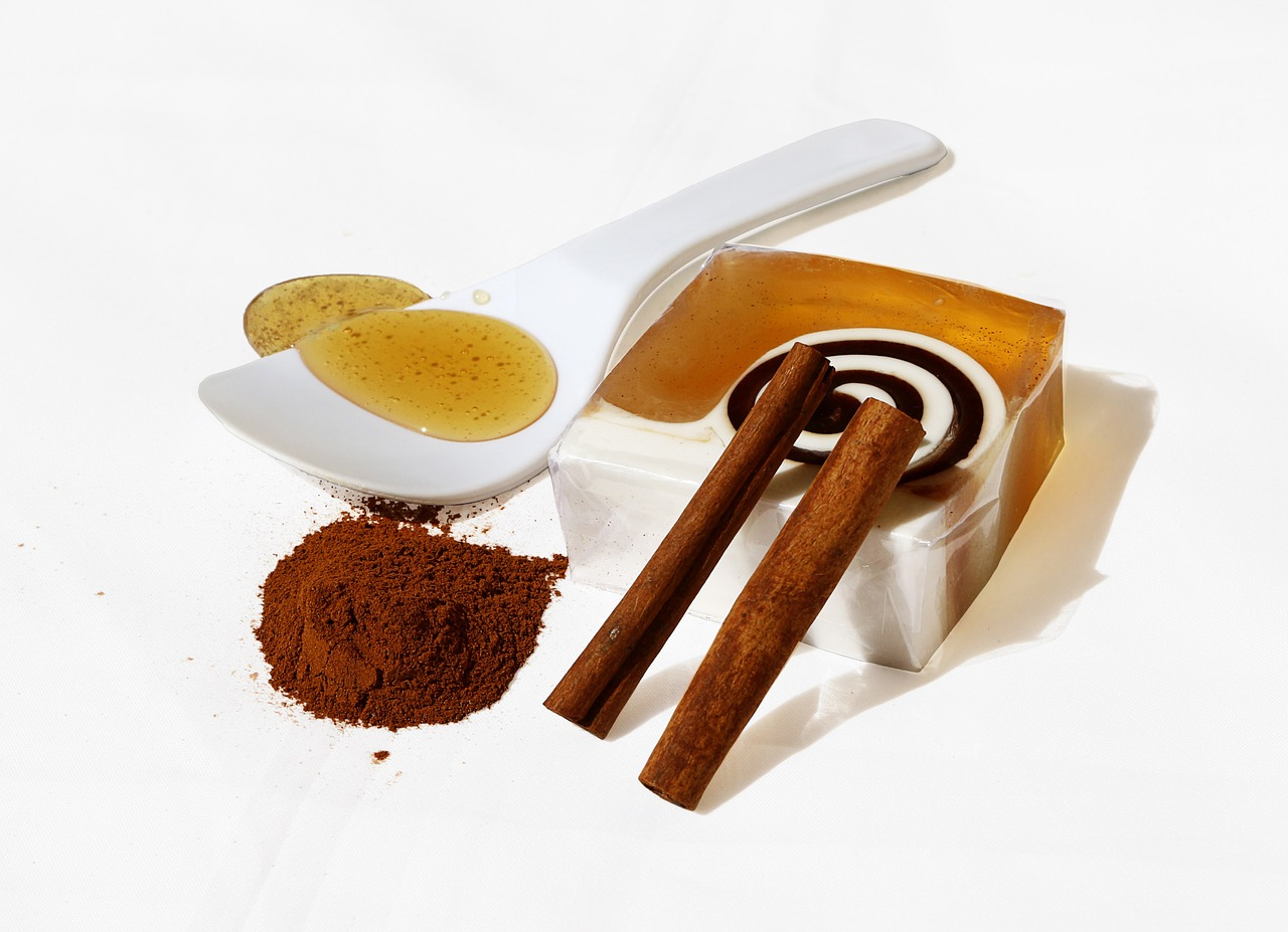 How to Do a Honey and Cinnamon Cleanse
